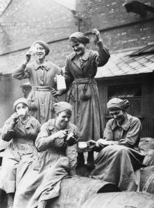 British female laborers enjoying a tea break