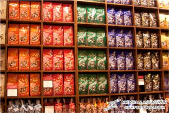 A wall of all of the different Lindt Truffle flavors. Notice the different color packaging each flavor has. http://nnmportfolio.com/branding/case-study-lindt#.VUKhlWTBzGc