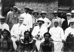 Governor Solf  (Sitting middle row, two in from the left) with Samoan constituents