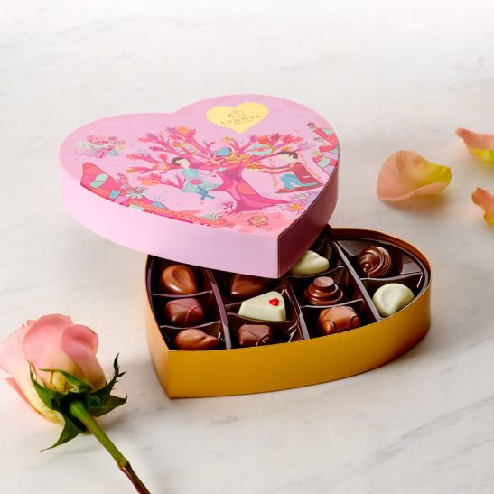 godiva_32628_45_vd17_vday_paperheart_14pc_2a_008_r2_final