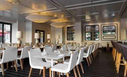 Interior of HEXX's 30,000 square-foot restaurant (Mair).
