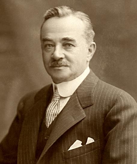 milton_s-_hershey2c_1910